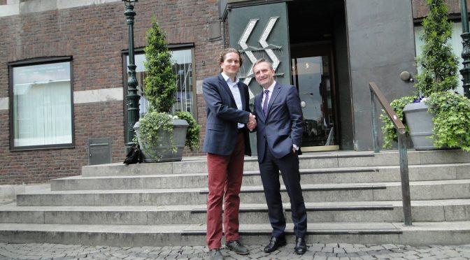 Der Oberbürgermeister läuft mit – Spendenlauf Düsseldorf – Leipzig